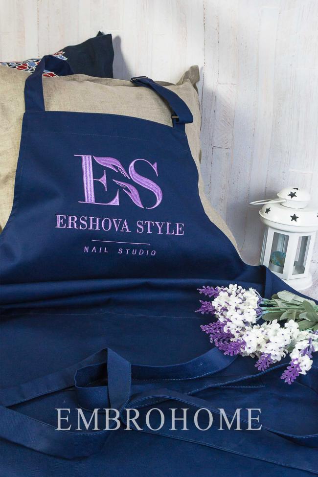 Женский фартук с вышивкой на заказ для нейл-мастера, мастера салона от производителя ТМ Эмброхоум
