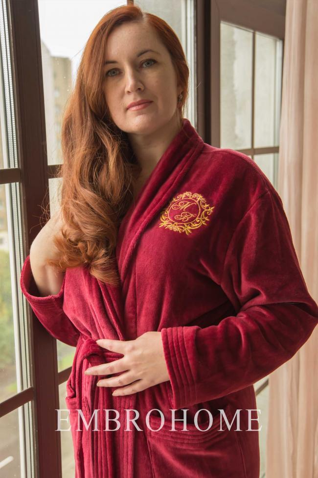 Халат жіночий з монограмою або вишивкою на замовлення на грудях