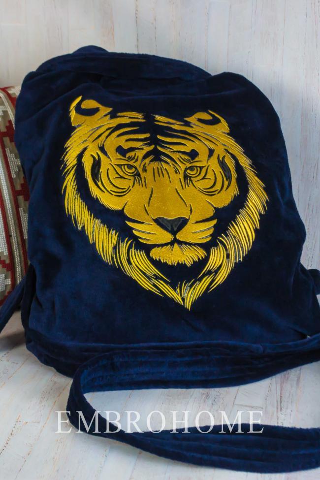 Іменний халат з вишитим на спині тигром