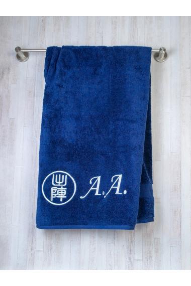 Полотенце с вышитыми инициалами