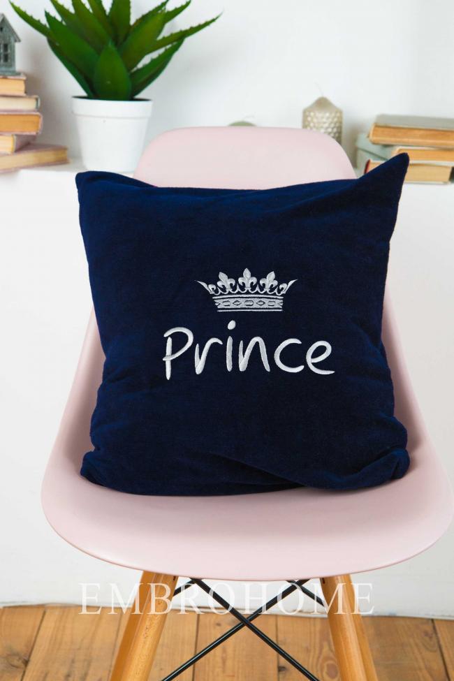 Декоративная подушка с индивидуальной вышивкой