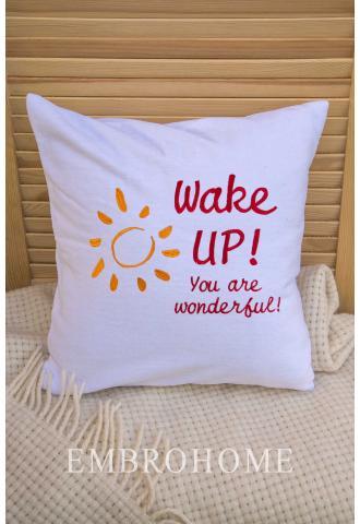 Декоративна наволочка для подушки з вишивкою тексту на замовлення