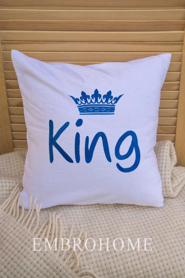 Іменна подушка з вишивкою на замовлення з махрової бавовняної тканини